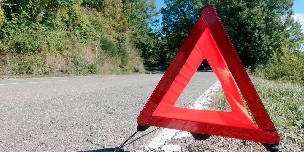 Triangulo de seguridad por avería en carretera