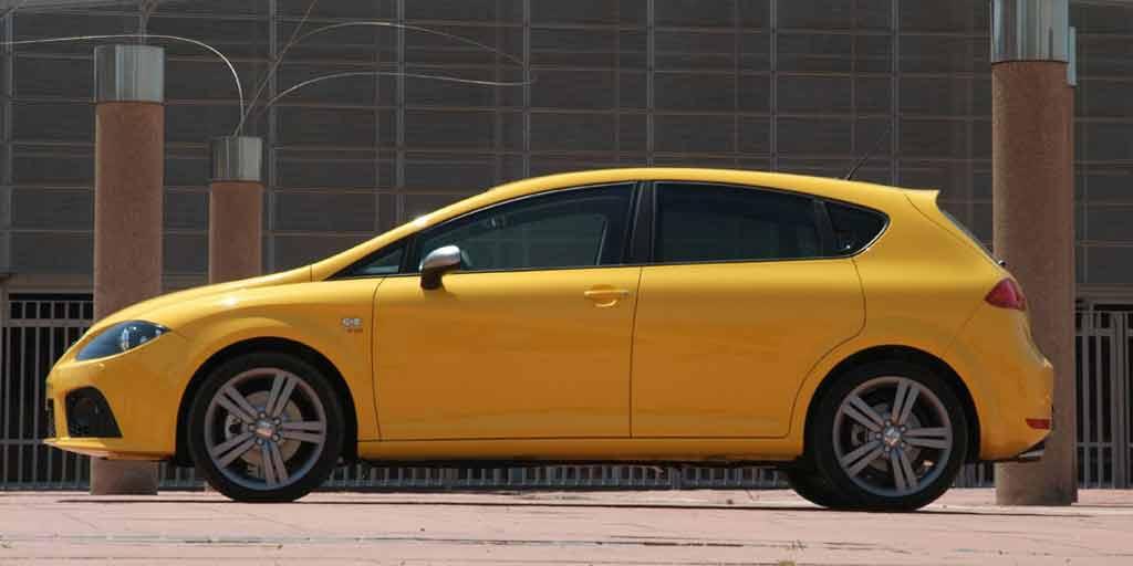Seat León amarillo